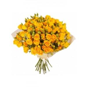 19 желтых  кустовых роз